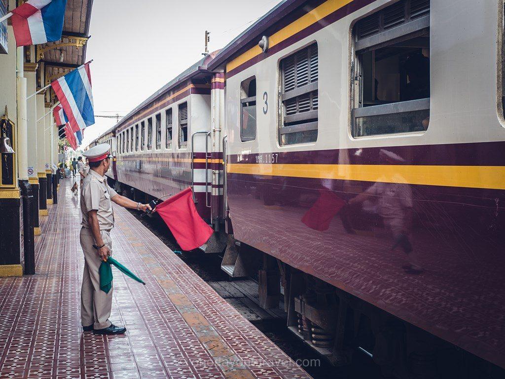 Ayutthaya chef de gare train