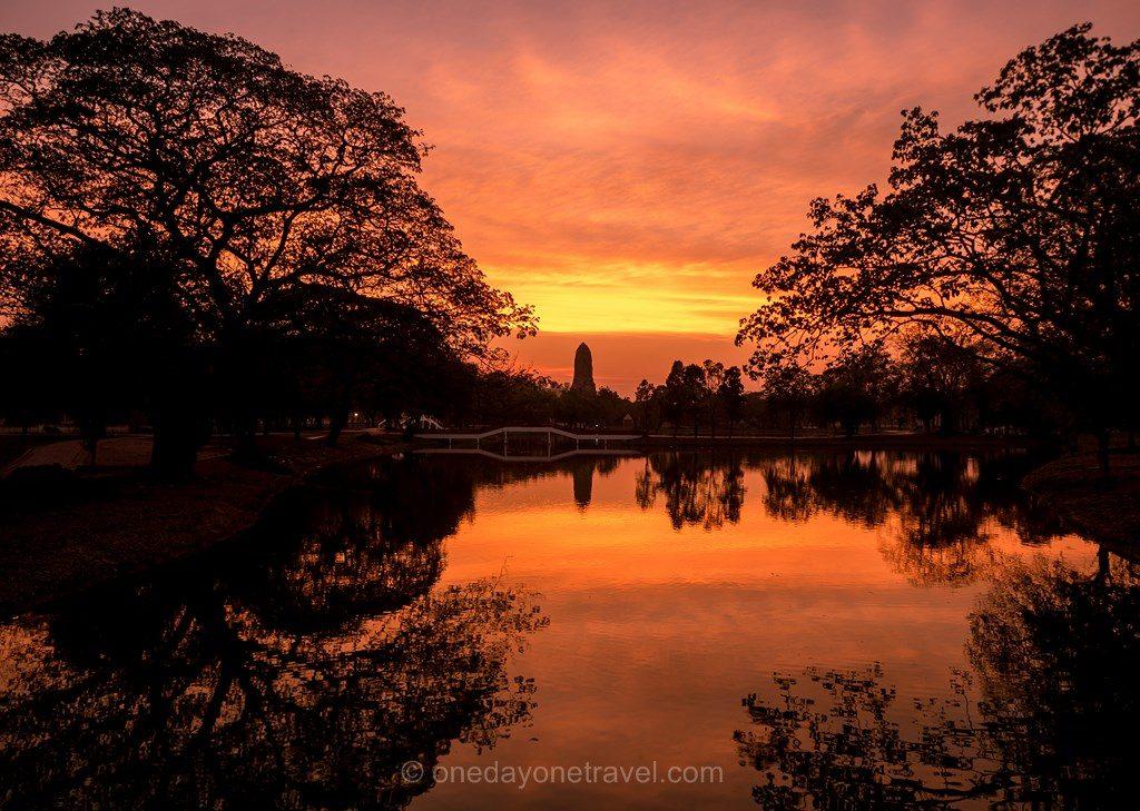 Ayutthaya coucger de soleil sunset parc historique