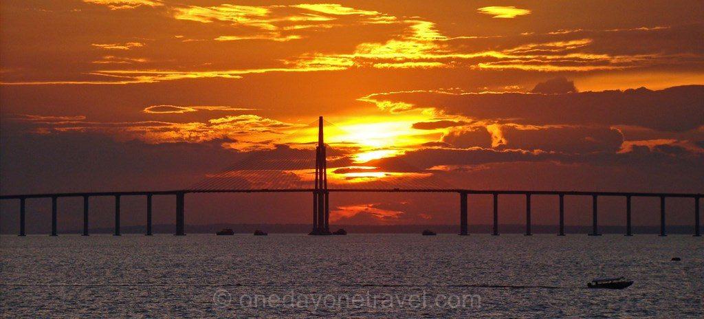 Coucher de soleil Amazone Manaus Brésil
