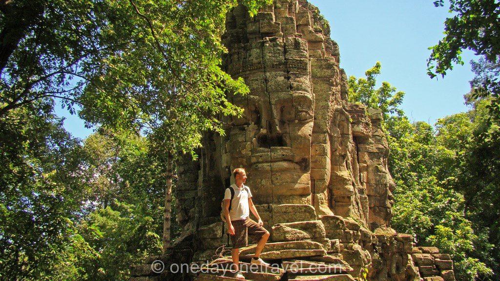 Angkor Thom temple Rando ouest Richard
