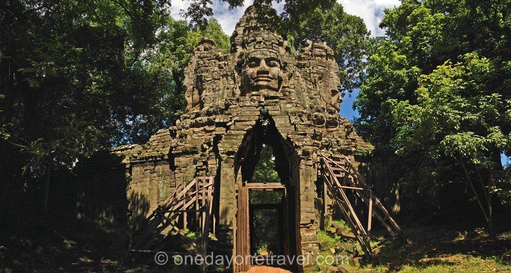 Angkor temple Thom Rando