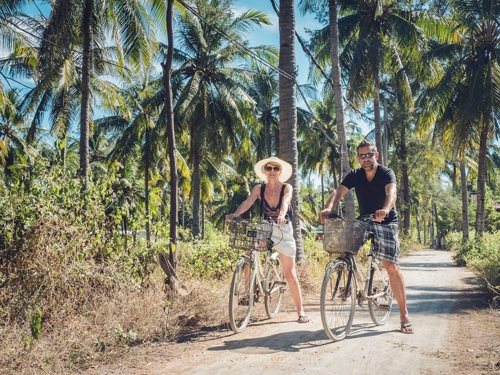 Gili meno vélo Franck Indonésie palmiers