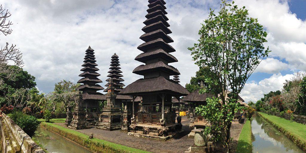 Bali temple voyage