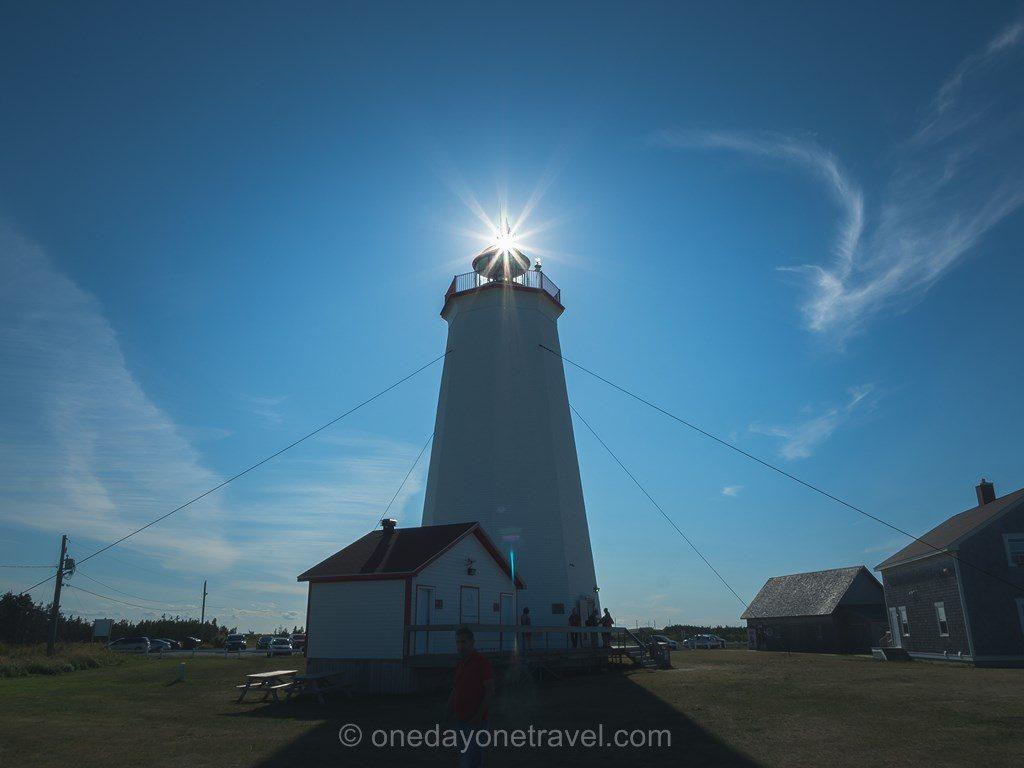 Caraquet Nouveau- Brunswick Canada phare soleil