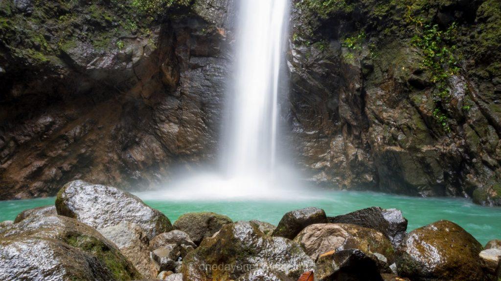 Casaroro waterfall Ile de Negros Philippines cascade