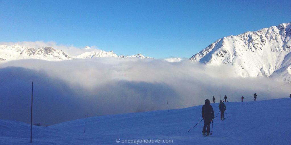 Chamonix piste nuage neige