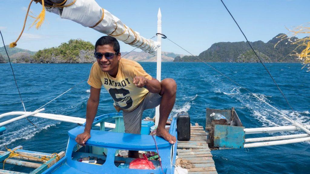 Coron island hopping Khris