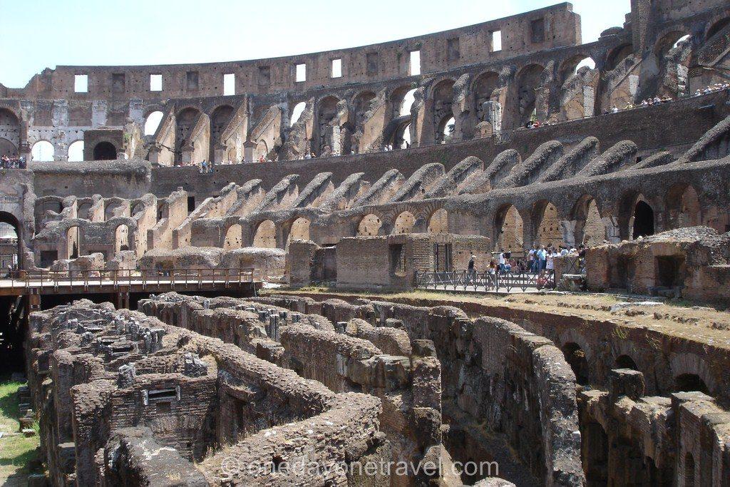 Dans le Colisée de Rome en Italie du sud