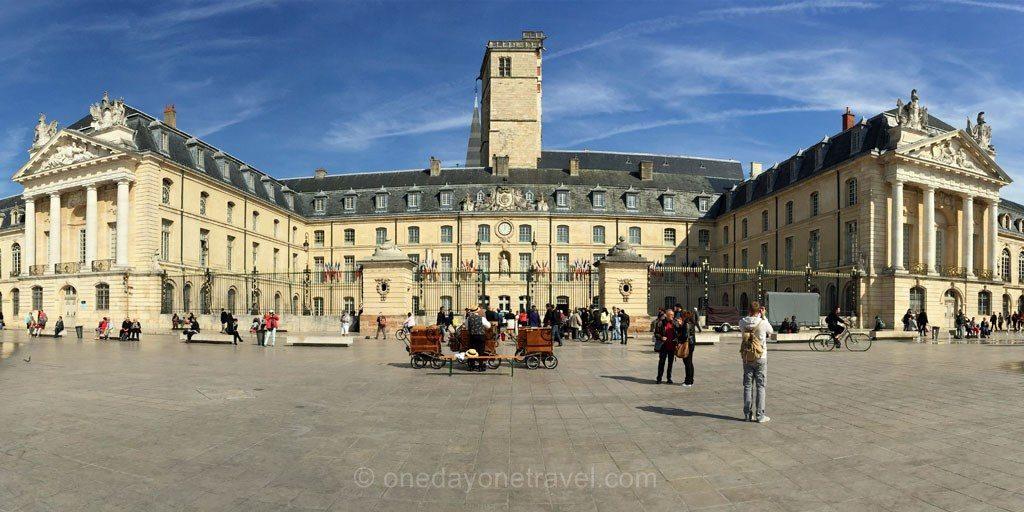 Dijon place Liberation Bourgogne