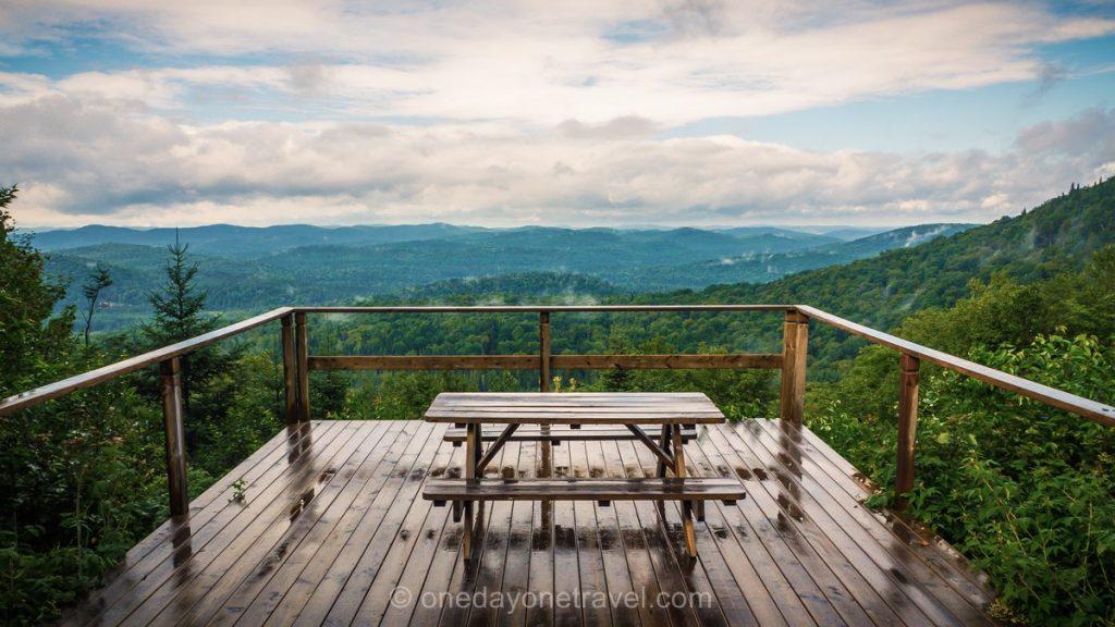 Kanatha-Aki Laurentides cabane terrasse