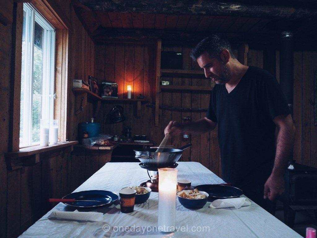 Kanatha-Aki Laurentides cabane fondue