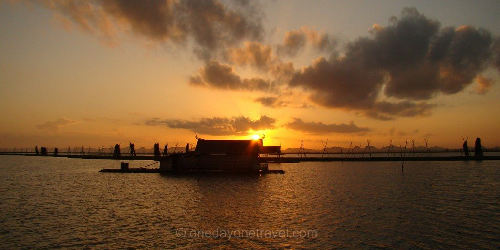 Lac Tempe maison flottante sunset Sulawesi