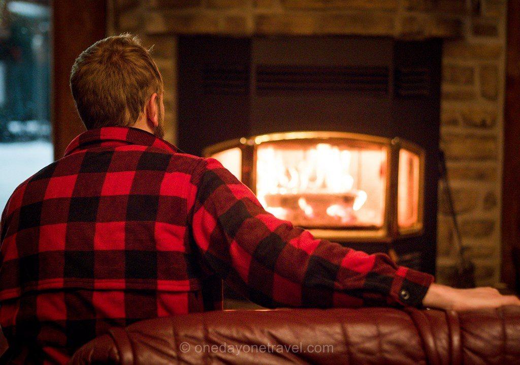 Laurentides en hiver Mekoos Richard cheminée