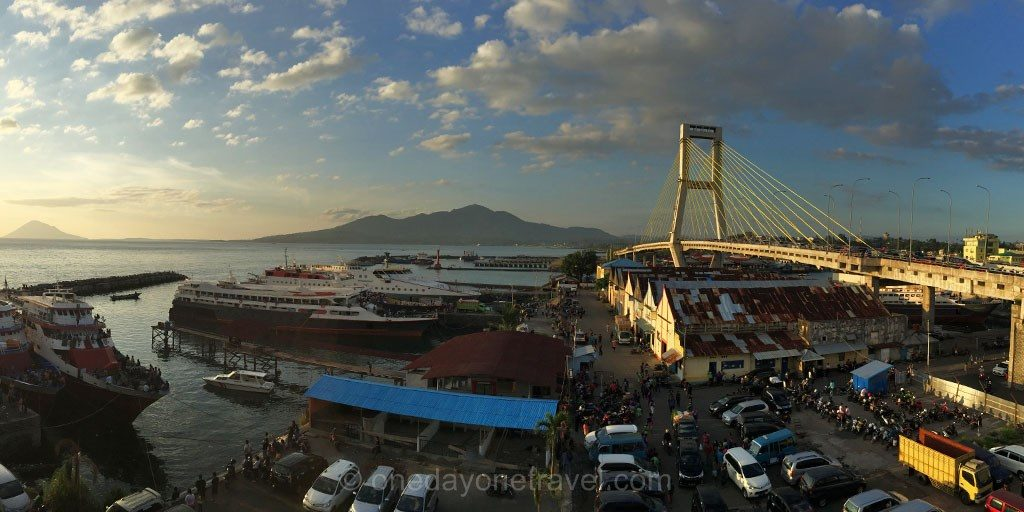 Manado port pont sunset