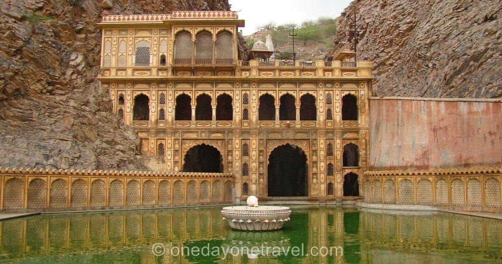 Monkey temple lac singe Jaipur Rajasthan Inde