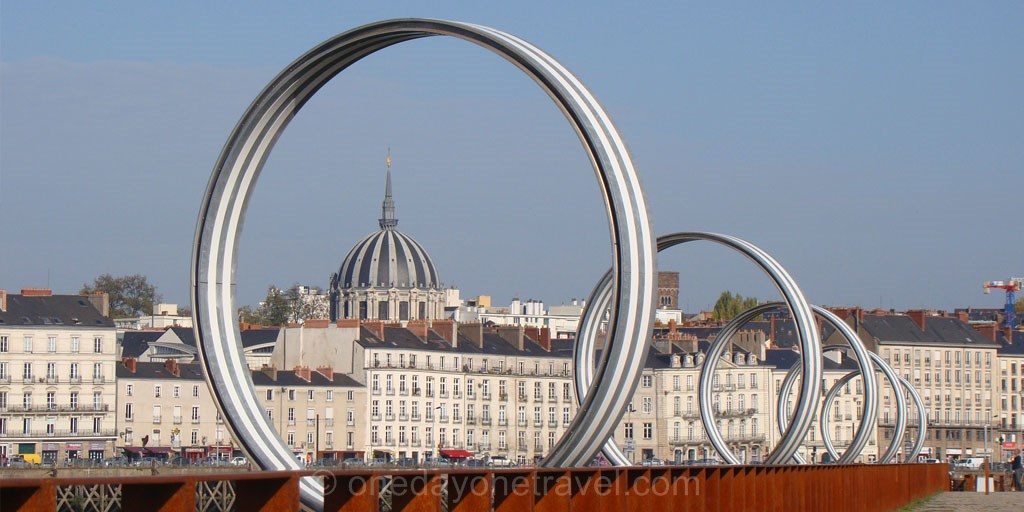 Nantes anneaux buren