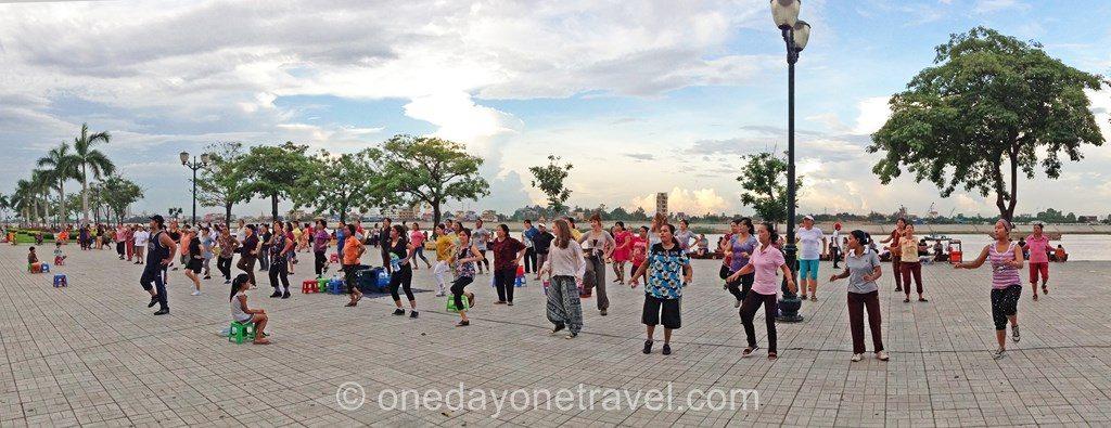 Phnom Penh Bord de fleuve aérobic