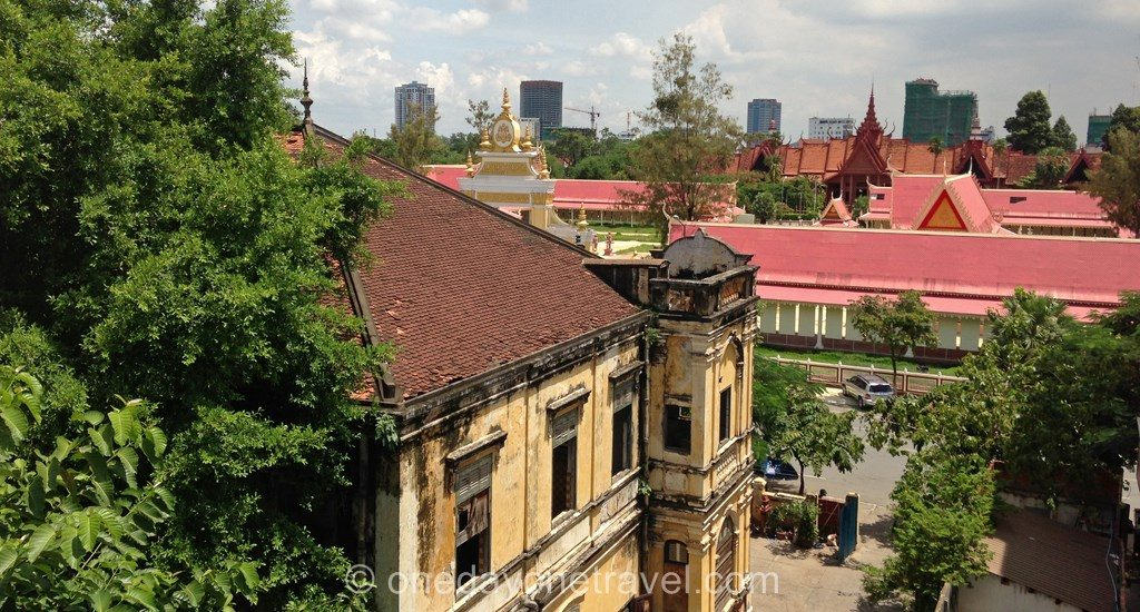 Phnom Penh Bord de fleuve architecture