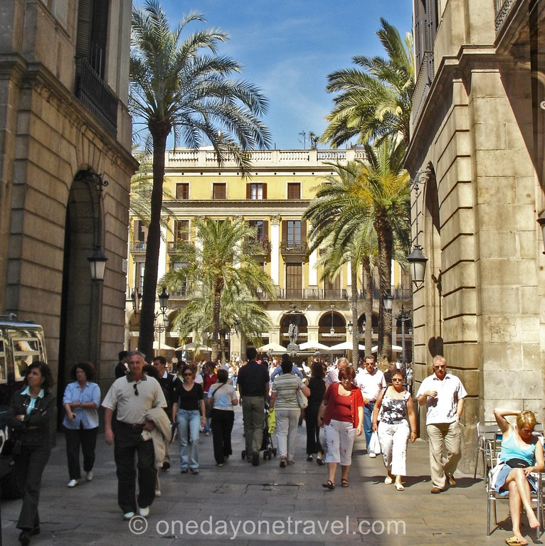 Plaza Real Barcelone voyage place incontournable