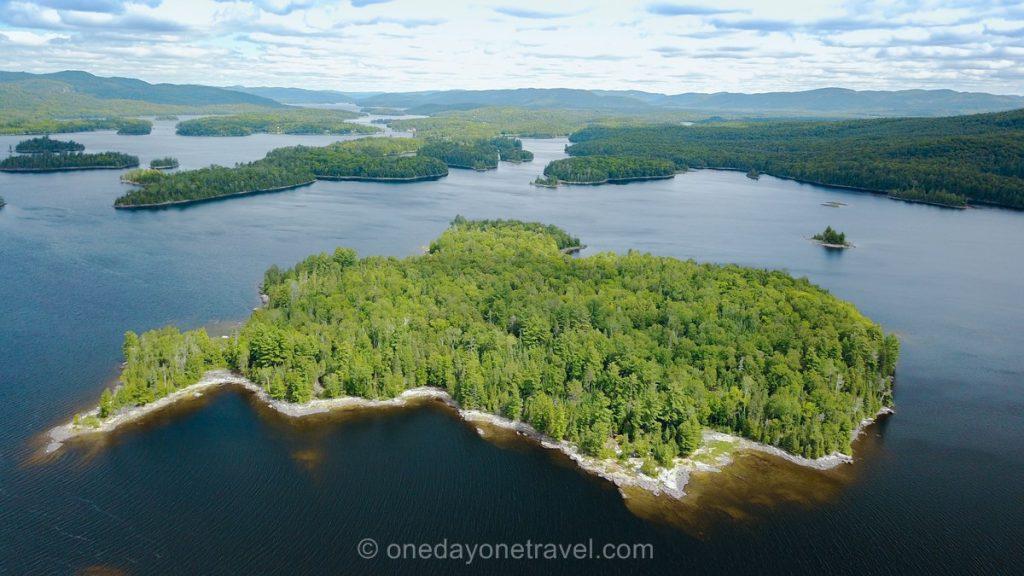 Ile Lac du Poisson Blanc drone