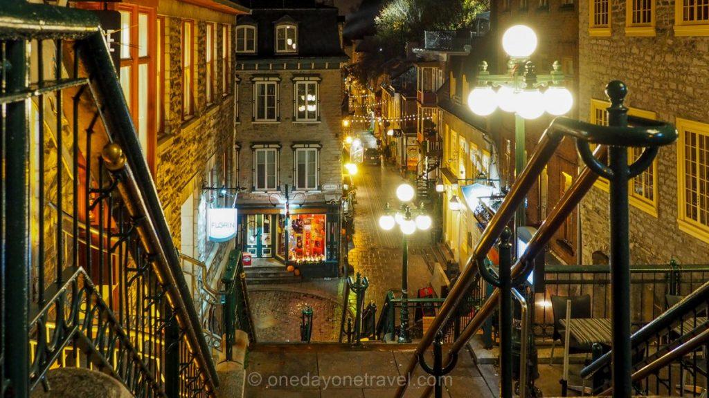 Visiter Québec de nuit petit champlain