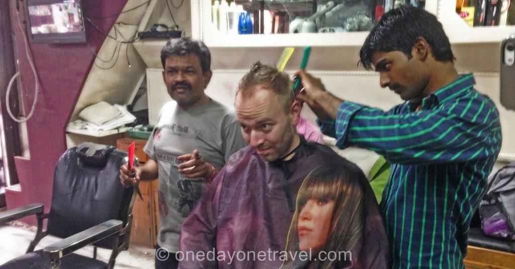 Rakasthan richard chez le coiffeur