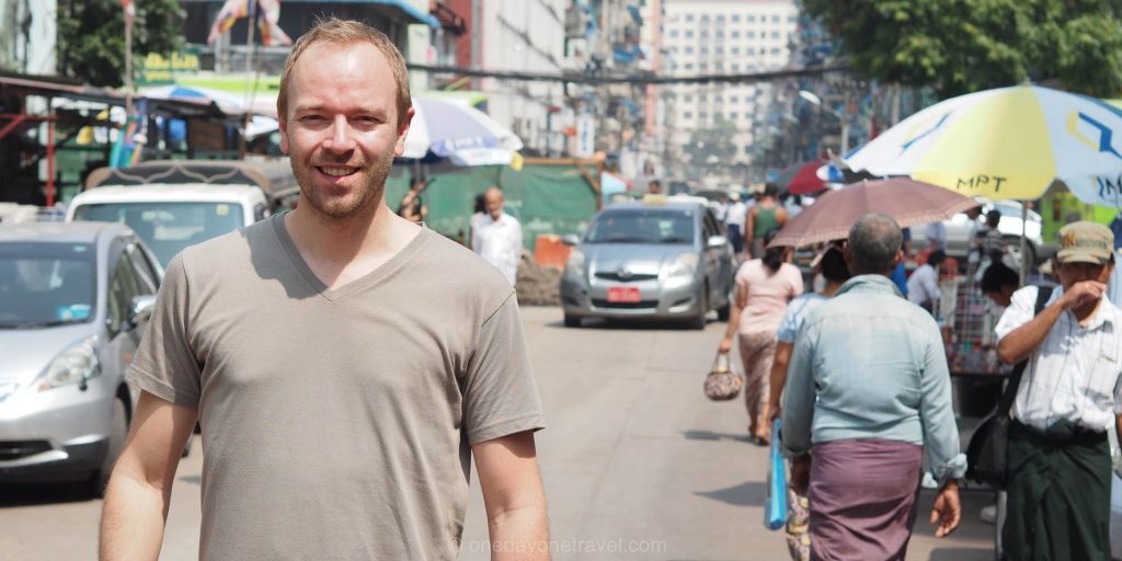 Richard dans les rues de Yangon