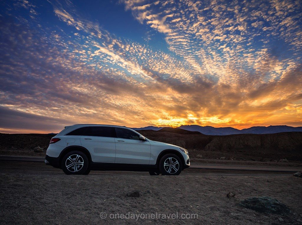 Road Trip ouest américain Death Valley sunset Mercedes