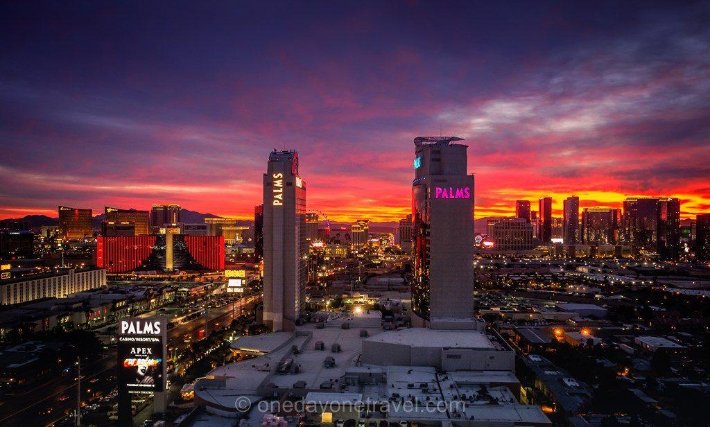 Road Trip ouest américain Las Vegas Palm sunset