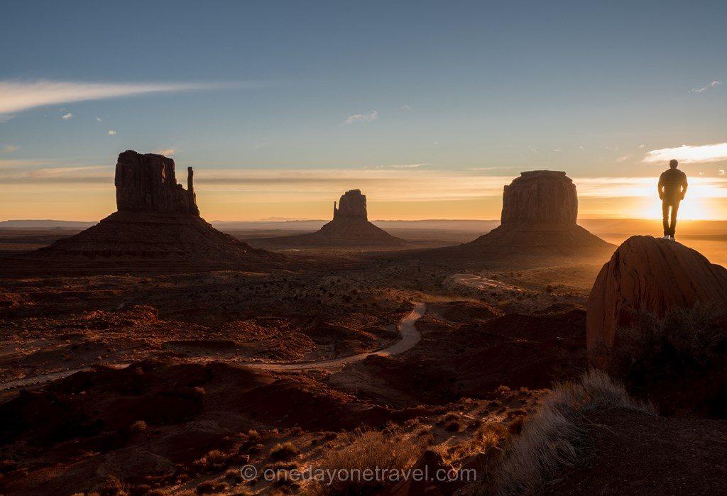 Road Trip ouest américain Monument Valley sunrise