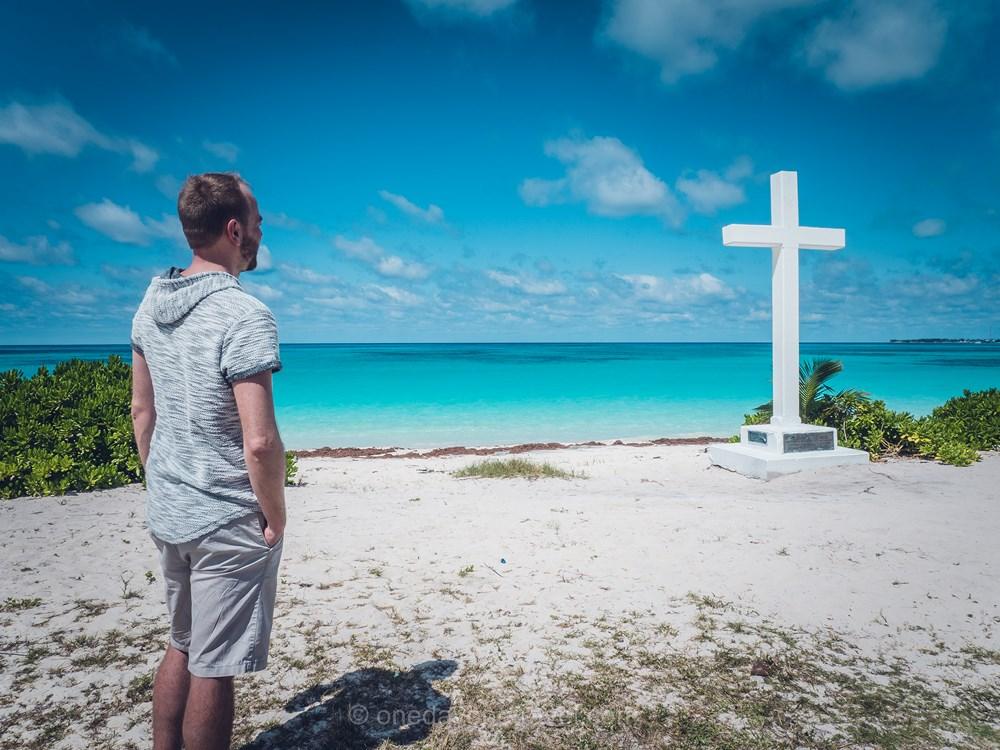 Voyage aux Bahamas San Salvador Richard Plage croix
