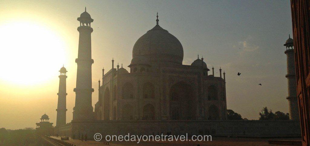 Taj Mahal sunrise Inde