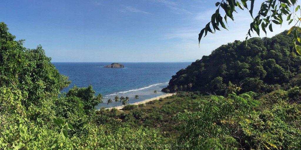 plage de rêve Sulawesi Célèbes Tumbak ile déserte
