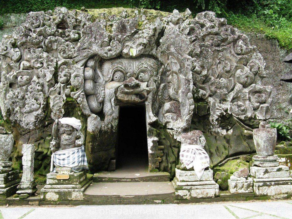 Ubud bali Temple Goa Gajah cave