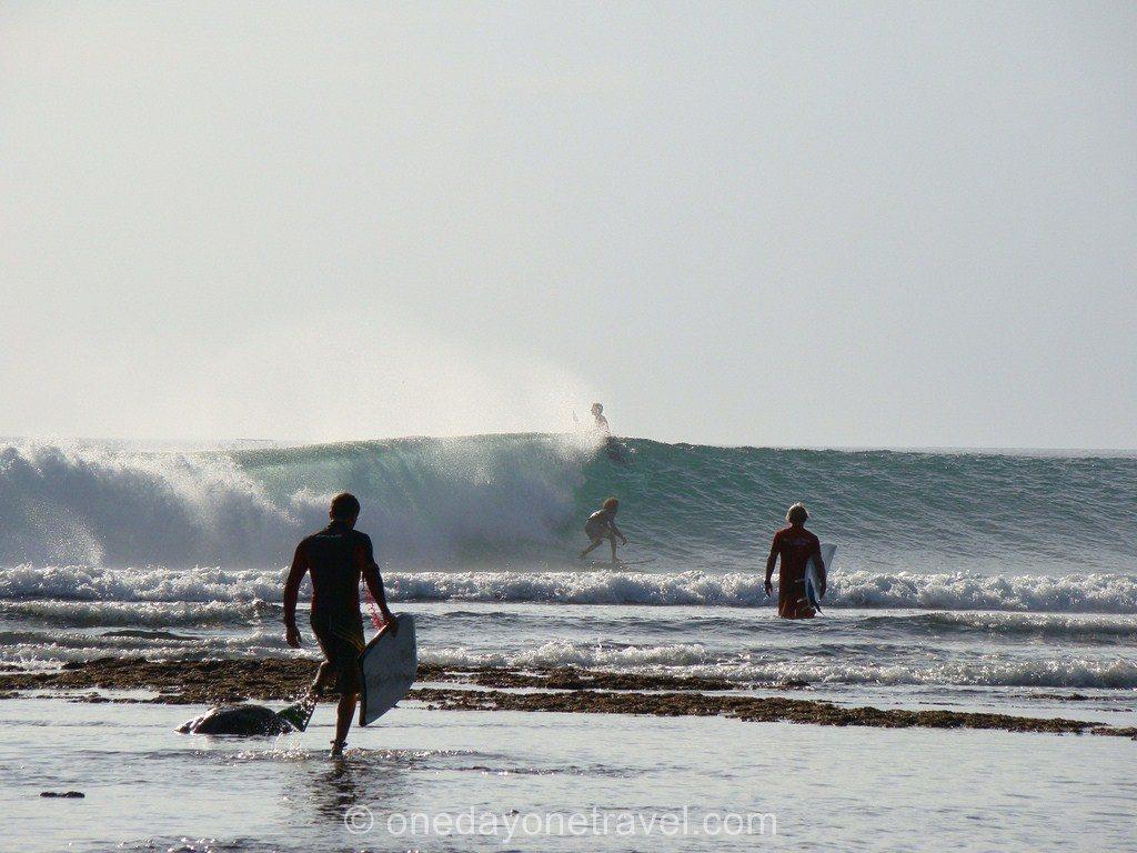 Surf à Uluwatu - Conseils pour visiter Bali