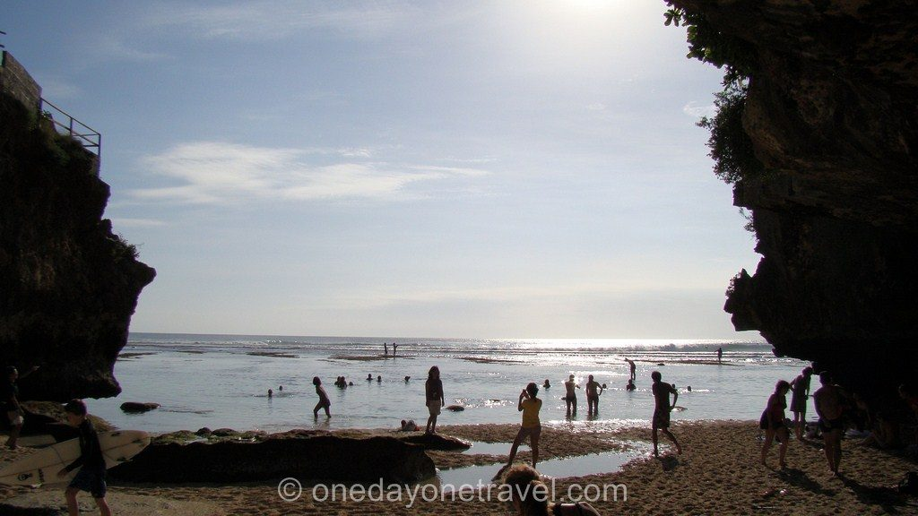 Uluwatu Bali Indonésie Surfeurs Blog Voyage OneDayOneTravel