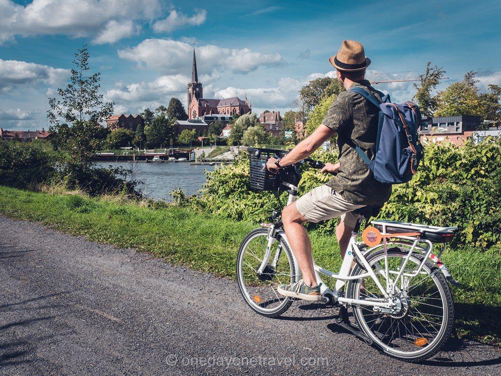 Richard à vélo canal Lille