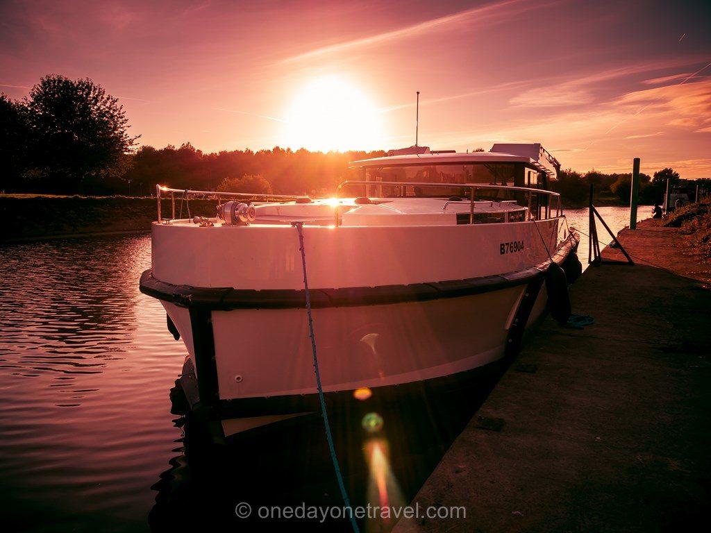 Le Boat sunset blog voyage