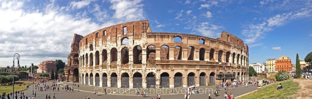 Photo panoramique du Colisée de Rome en Italie