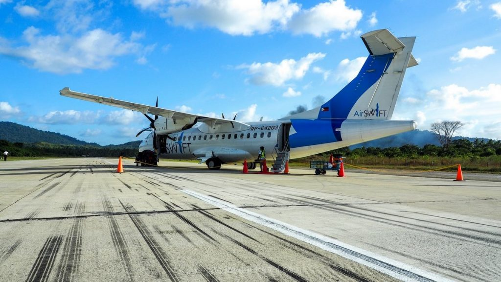 Avion aéroport El Nido Palawan Philippines