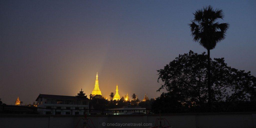 Voyage au Myanmar Pagode merchant hotel