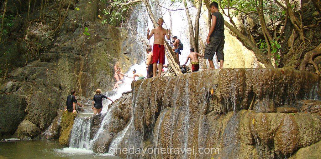 cascade moyo croisiere indonésie