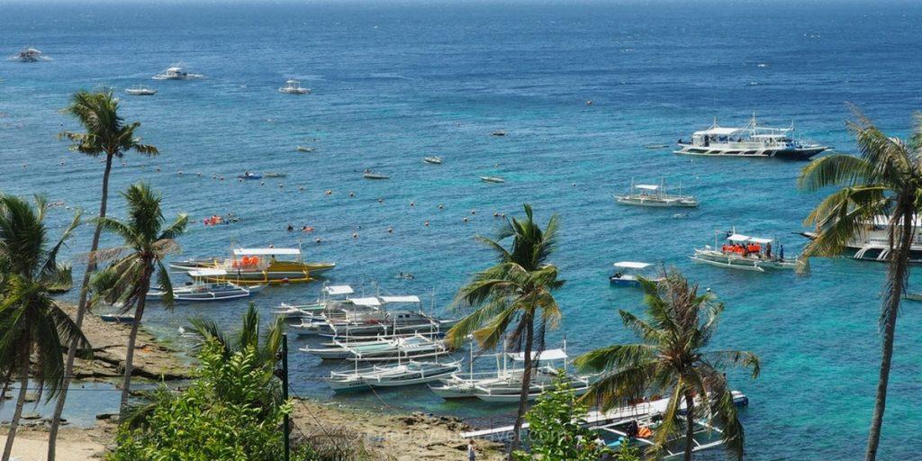 ile APO escaier vue sur mer Philippines