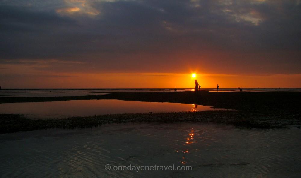 Les ïles Gili en Indonésie sunset