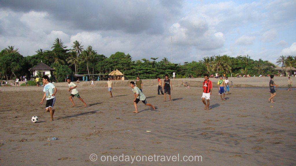 kuta Bali plage foot