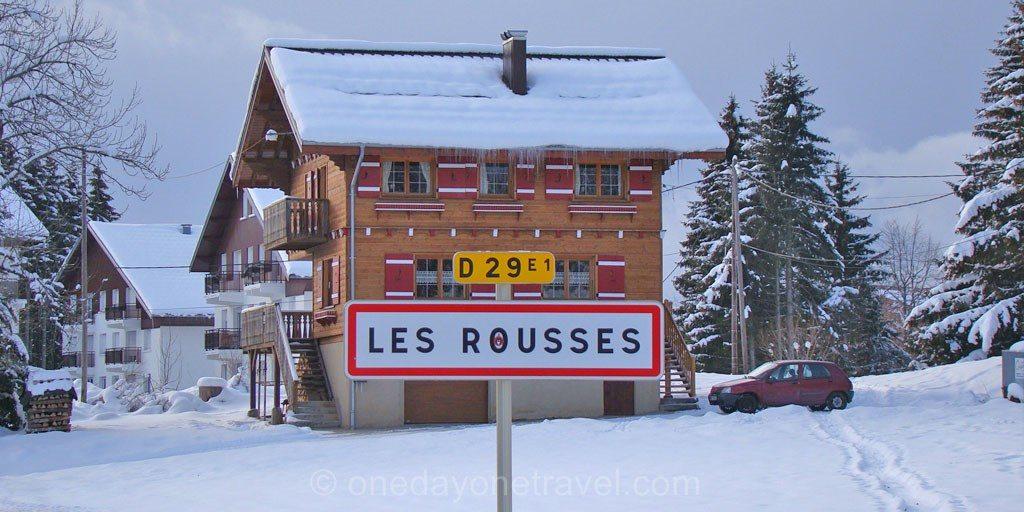 Les Rousses station Jura panneau route