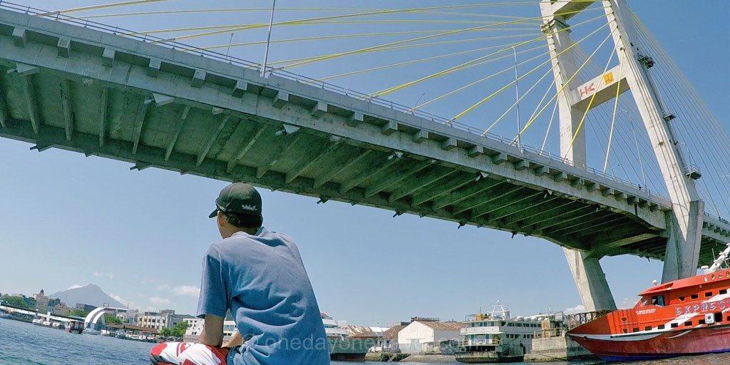 pont manado en bateau