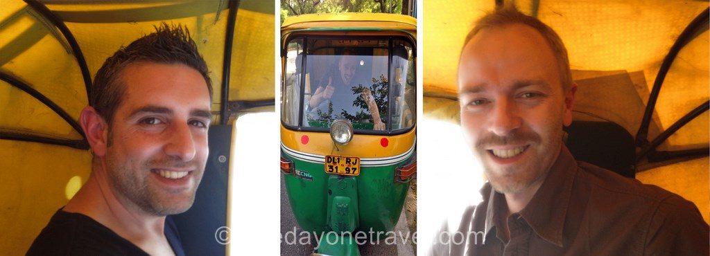 richard et franck dans un tuktuk