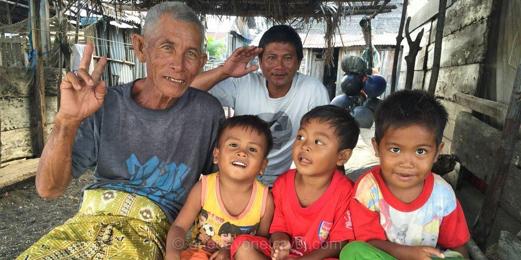 sourire sulawesi tumbak Sulawesi Célèbes