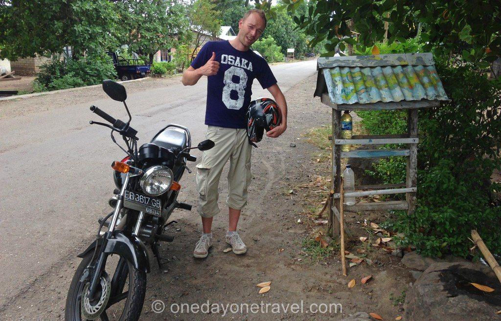 transport indonésie scooter